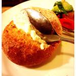 2colori - 温かいパンに薫製バターをたっぷり付けて頂きます!美味しい〜