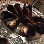 ベガーズハーレム - 厚岸産 ムール貝ワイン蒸し