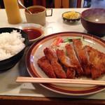 三宝亭 - とんかつ定食870円
