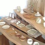 小さな宿&レストラン しいの木やま - 陶芸作家さんのギャラリー