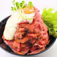 レッドロック - ●ローストビーフ丼(大盛)●当店人気ナンバー1