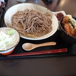手打蕎麦 なめき - 料理写真:ランチの天丼セット(通常の蕎麦で999円)