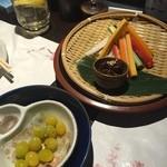 四季の蔵 - 銀杏の水晶揚げ、野菜スティック ~自家製 肉味噌添え~。