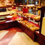 ベーカリー&カフェ Vent Dor Cafe - ベーカリーコーナー