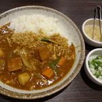CoCo壱番屋 - 蒸し鶏と根菜の和風カレー+オクラ山芋(15-09)