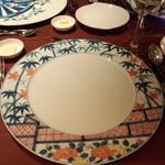 ガルニエ - きれいな柄のお皿。みんな柄違い(^^)