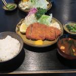 かつ膳 - とんかつ定食(上)1,900円