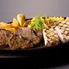 ワイルドオーシャン - 料理写真:マグロのレアグリル&カットステーキ