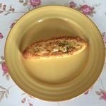 イヌイ - 料理写真:ガーリックトーストです。