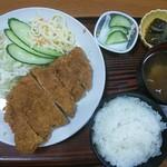 41760849 - 豚カツ定食 1100円