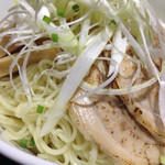 41770214 - 麺は、つけ麺にめずらしく、ストレートな細麺。