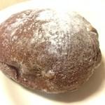 41773610 - 2015年8月:大人のチョコレートパン(\250+税)…中にはビターチョコクリームがたっぷりです♪