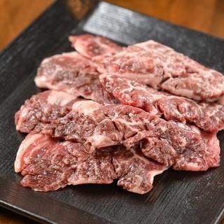 卸から直接仕入れる新鮮な肉!!