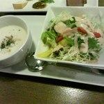 ishigakigyuusemmontensute-kihausuhachihachi - セットのサラダ