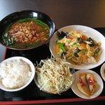上海本格料理 喜福園 - 料理写真:ランチ(700円)