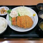 ごはんどき - 四元豚ロースカツ定食(税込950円)