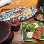 41784091 - 秋刀魚定食