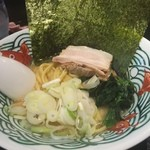 三崎港ラーメン - 醤油とんこつラーメン