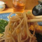 良寛 - 美味しい蕎麦の上に乗った大根おろしが山葵の必要が無い位かなり辛く蕎麦の味を引き出してました。