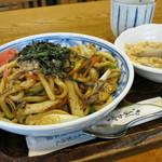 浅野屋本店 - きのこの焼うどん(ミニくずもち付) 800円