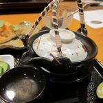 日本料理 旬坊 - はも土瓶蒸し はも・海老・茸入り