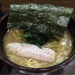 はねだ家 - 東京によくあるかんじ。横浜家系。