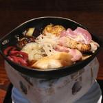 京 上賀茂 御料理秋山 - 丹波地鶏と茄子のすき焼き風 (2015/08)