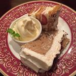 カフェ・ラ・ミル - ハーフ&ハーフセット(紅茶といちじくのシフォンケーキ、ミルフィーユ)