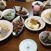 山道 - 料理写真:おでん、ほるもん、砂肝(各600円)、冷奴300円、ジンギス800円、焼酎ボトル3000円