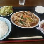泰山 - 豚バラとしめじ定食 850円