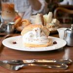 グッドネイバーズコーヒー - 料理写真:クロワッサンシェル (単品540円)  '15 8月中旬