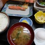 食べ処 庄家 - 朝定食520円