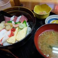 仙台駅前市場でワンコインモーニング。(far long)-食べ処 庄家