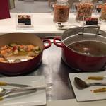 大阪マリオット都ホテル クラブラウンジ - アヒージョと鹿肉のプロヴァンス風