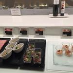 大阪マリオット都ホテル クラブラウンジ - 料理も抜群です。