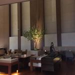 大阪マリオット都ホテル クラブラウンジ - クラブラウンジとにかく広い