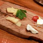 41800641 - チーズの盛り合わせ
