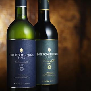 特別に仕入れたブティックワインを含む400銘柄を超えるワイン