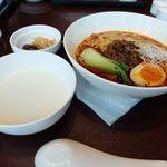 41801729 - 四川担々麺セット