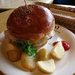 ジョジョズ カフェ&バー - ジョジョズ オリジナルハンバーガー ¥1,280