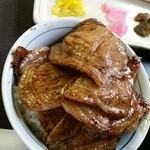 ぶた福 - ミックス豚丼(税込880円)