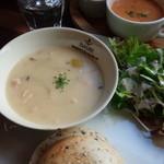 バニトイベーグル - 週替わりランチ!チキン&栗のクリームシチュー