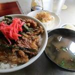 焼肉オックス - カルビ丼 600円