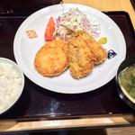 大かまど飯 寅福 - ランチ、メンチ、アジフライ定食