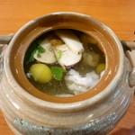 銀座鮨 - 土瓶蒸し 中