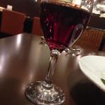 円山 カルネ - グラス赤 サンタヘレナだよ390円