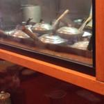 41809860 - 鳥藤分店(都内中央区築地場外)カウンターから厨房