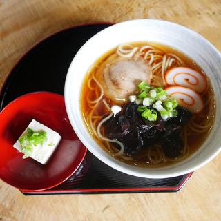 長助 - 料理写真:米のらーめん(石豆腐付き)500円