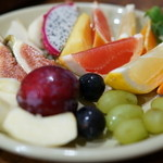 焼肉 はせ川 - 2015.9 フルーツとアイスの盛合せ(500円)のフルーツ10種類