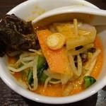 紅虎餃子房 - 白胡麻坦々麺をシェア